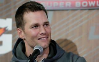 Brady emotionally tells why his dad is his hero