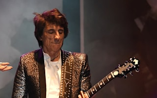 Ronnie Wood thanks doctors after successful lung surgery