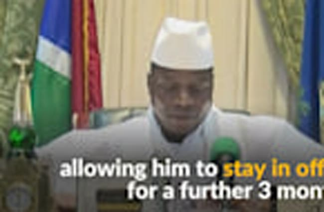 Gambians, tourists flee on eve of deadline for leader to surrender power
