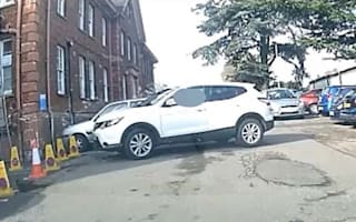 Driver takes 17 attempts to perform three-point turn