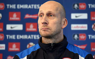 'I expect nothing, but warm receptions are nice' - Stam excited for United reunion