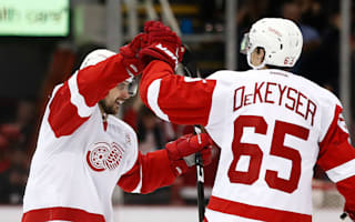 Red Wings rally to beat Bruins, Penguins keep momentum