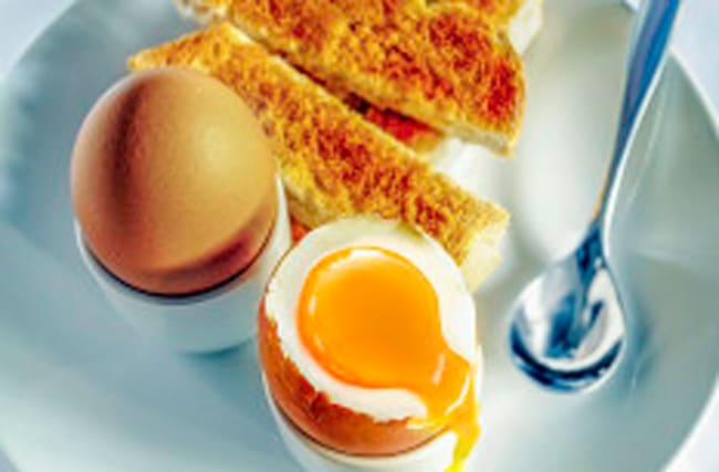 New information about safety of eating raw eggs is 'confusing'