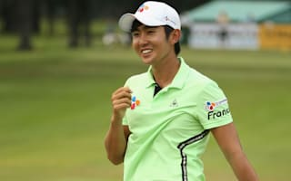 Lee on course for landmark win