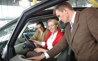 Survey finds many drivers fear selling their car