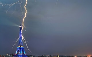 Tourist captures amazing shot of lightning striking the Eiffel Tower