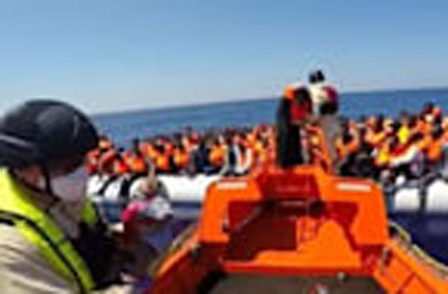 Norwegian ship rescues over 1000 migrants from eight rubber boats
