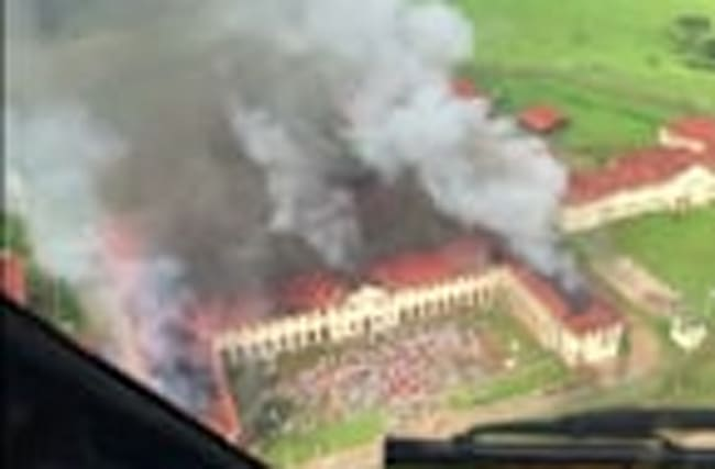 Brazil prison set on fire, inmates flee