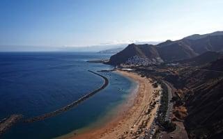 Plane crash lands on Tenerife beach: Sunbathers run for cover
