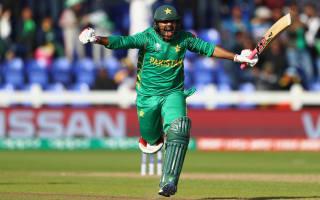 Sarfraz sends Pakistan through as Sri Lanka let victory slip