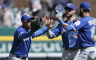 Blue Jays finish road trip on high, Cubs thrash Phillies