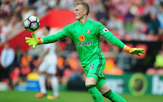 Moyes defends Pickford after late howler