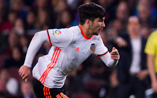 Soler signs new Valencia deal