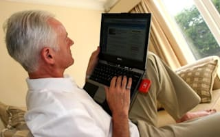 Why men fall for more internet scams