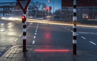Dutch town installs street-embedded traffic lights for texting pedestrians