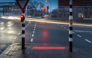 Dutch town installs street-embedded traffic lights for texting pedestrians