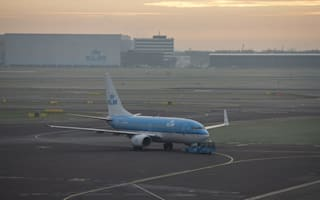 Pilot suffers heart attack while taxiing at Glasgow Airport