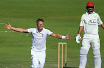 England call for Curran as cover for Ball