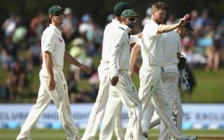 Australia close in on second Test win
