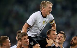 Tearful Schweinsteiger bids farewell