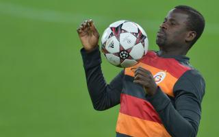 Sunderland consider Eboue deal