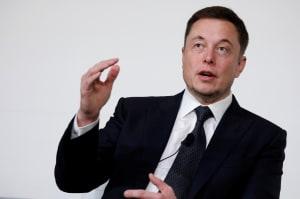 Elon Musk hace desaparecer de Facebook las páginas de Tesla y SpaceX