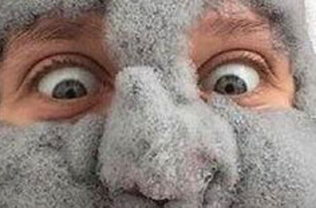 What on Earth turned this woman's face into a 'cloud'?