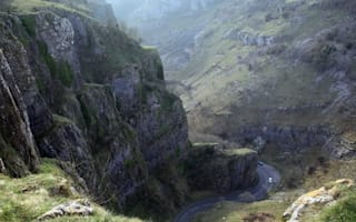 Marquess of Bath in National Trust row over Cheddar Gorge cable car