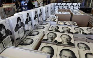 Steve Jobs biog boosts UK book sales