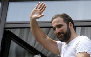De Laurentiis feels betrayed by Higuain swapping Napoli for Juventus