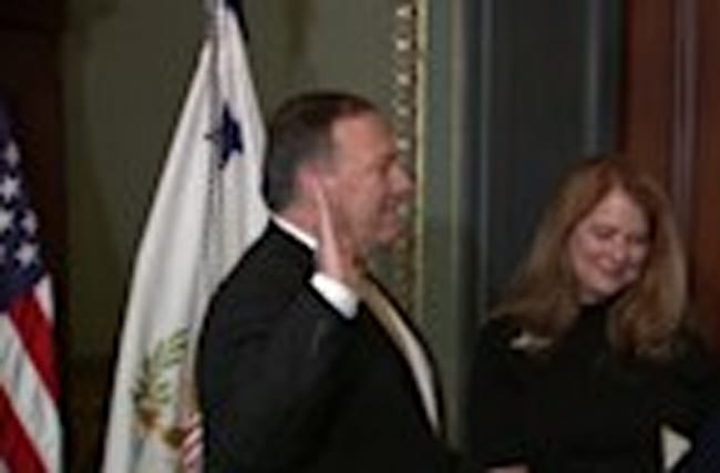 Mike Pompeo takes oath, becomes CIA director
