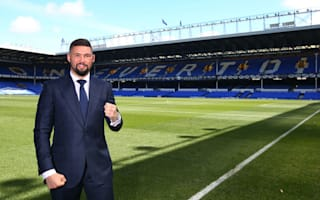 Boxer Bellew warns Barcelona to 'keep away' from Everton boss Koeman
