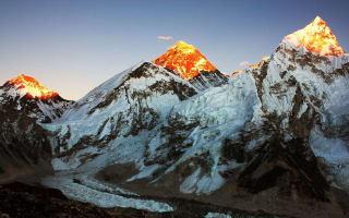 Nepal investigates couple's Everest summit claim