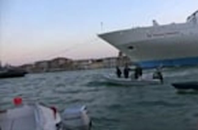 Cruise ships targeted by Venice protest