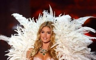 Victoria's Secret model to jet into space