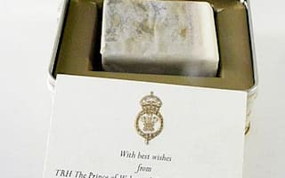 Royal cake to be auctioned