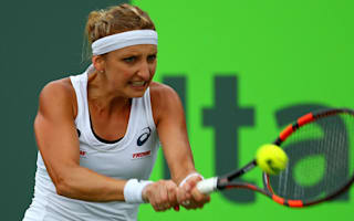 Bacsinszky breezes through on rainy day in Gstaad