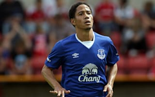 Sunderland snap up Pienaar on one-year deal