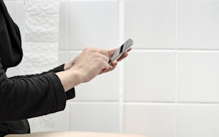 Why multi-tasking on the toilet is a horrible idea