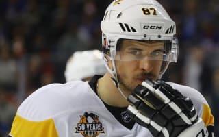 Penguins, Canadiens leave it late