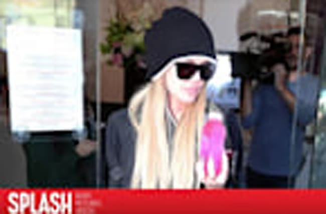 Khloe Kardashian Continues Tattoo Removal Treatment