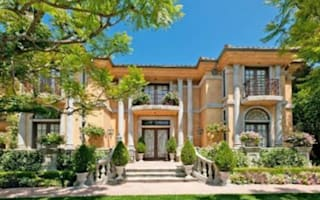 Charlie Sheen selling two houses after paying $10m blackmail