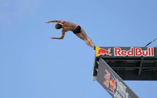 Video: Brit wins world cliff diving championship for 2nd year running