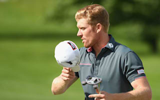 Dodt moves into lead in Wentworth wind