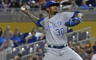 Royals keep winning, Red Sox stay tied