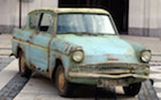 Liam Payne buys Harry's Ford Anglia