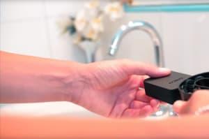¿El fin de los cepillos de dientes? Este dispositivo te los lava en... 3 segundos