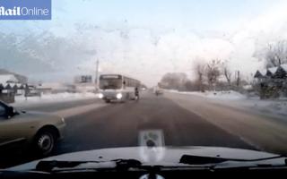 Pedestrian cheats death by casually avoiding bus