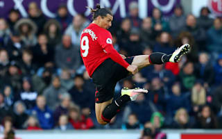 Beckham lauds Ibrahimovic as United star wins Swedish gong