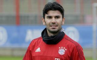 Tasci suffers head injury, misses Bayern unveiling